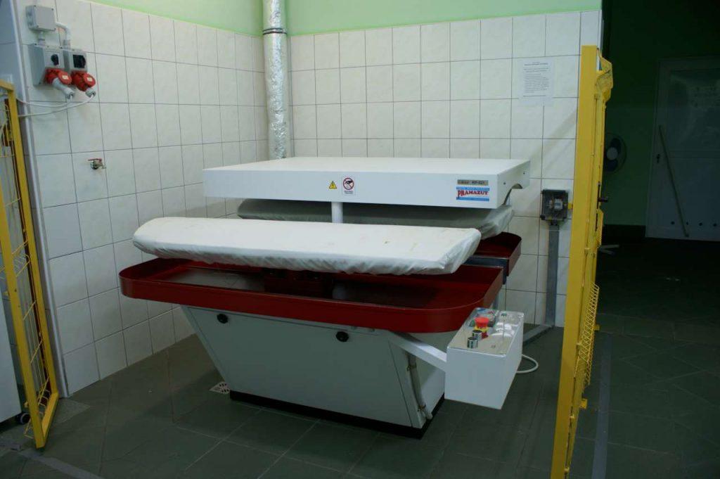 karuzela prasowalnicza na wyposazeniu pralni 0001