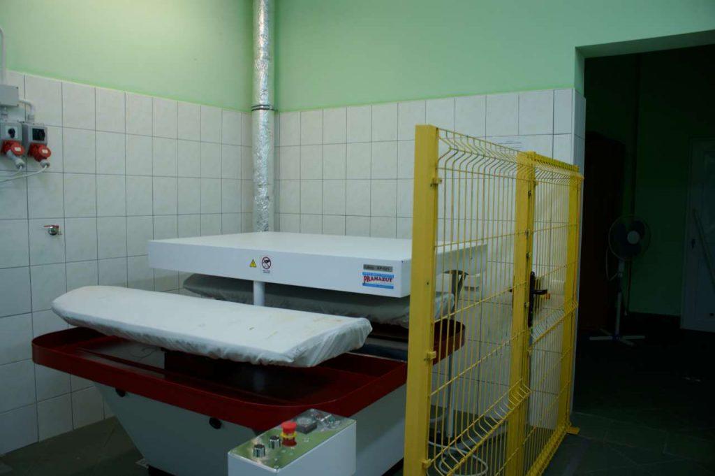 karuzela prasowalnicza na wyposazeniu pralni 0002